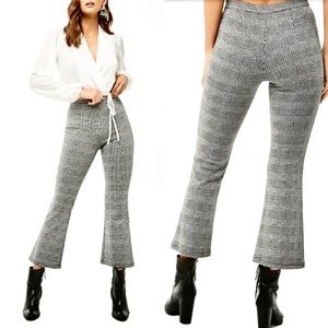 F21⚡️Black/White Houndstooth Flare Pants_M